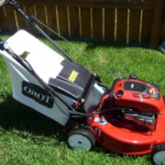 Self Propelled Lawn Mower – Which Features to Consider?