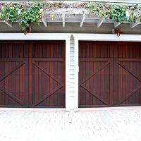 4 Useful Garage Door Safety Tips