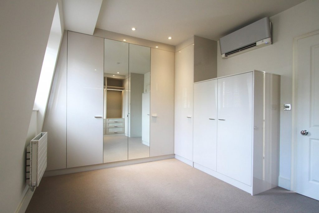 fitted wardrobes by http://londonbespokeinteriors.com/